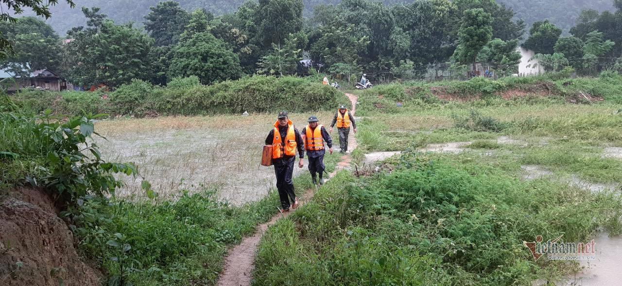 Thượng úy Công an tử vong trên đường tìm 7 người dân mất tích ở Quảng Trị