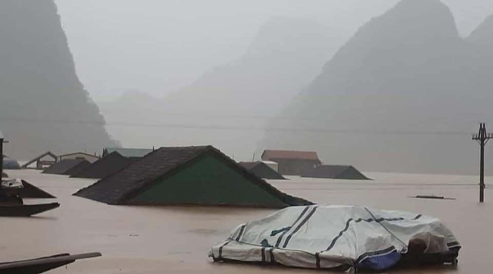 Quảng Bình hoãn đại hội Đảng bộ, tập trung cứu dân ngập lũ