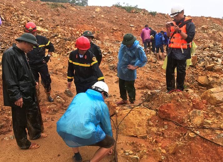 Xác định 2 vị trí ở Rào Trăng 3 nghi 15 công nhân đang bị vùi lấp