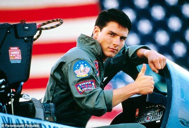 Tom Cruise được hải quân Mỹ trao chứng nhận danh dự