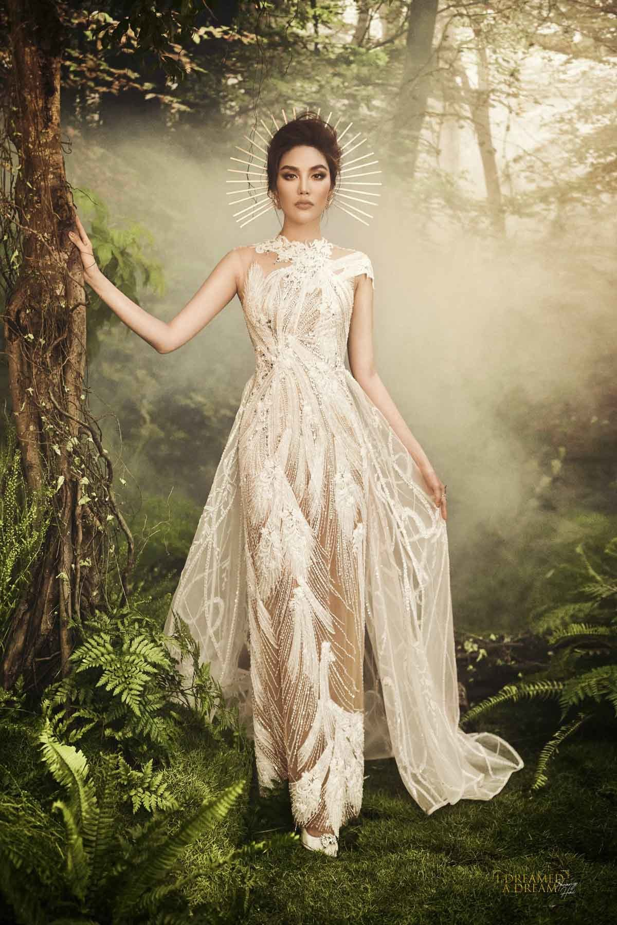 Lan Khuê hóa nữ thần quyến rũ