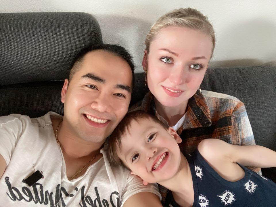 8X Đồng Nai lấy vợ châu Âu: 'Vợ chồng tôi sòng phẳng về tiền, ai cũng hạnh phúc'