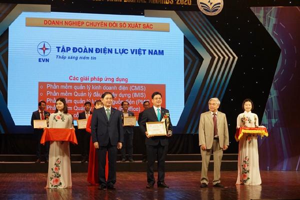 EVN nhận giải thưởng Doanh nghiệp chuyển đổi số xuất sắc Việt Nam 2020