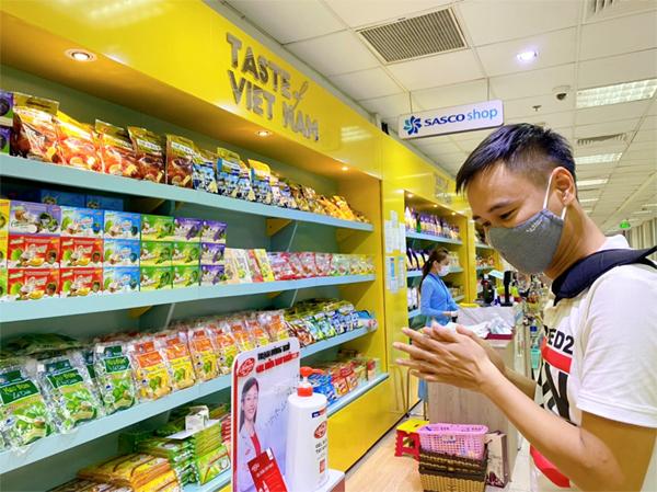 Unilever bắt tay TIA, SASCO phòng dịch cho hành khách trước chuyến bay
