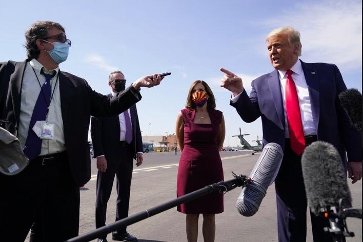 Ông Trump gọi chuyên gia hàng đầu về Covid-19 là 'thảm họa'