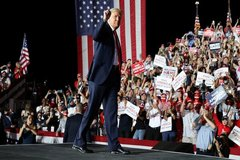 Tổ chức khảo sát dự đoán ông Trump tái đắc cử căn cứ vào điều gì?