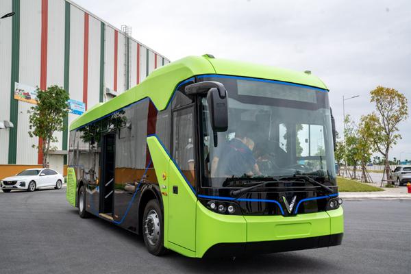 Chạy thử nghiệm xe buýt điện VinFast