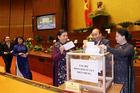 Quốc hội chia sẻ trước những đau thương, mất mát của đồng bào miền Trung