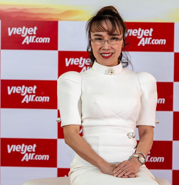 Những sếp nữ hiếm hoi trong ngành hàng không Việt