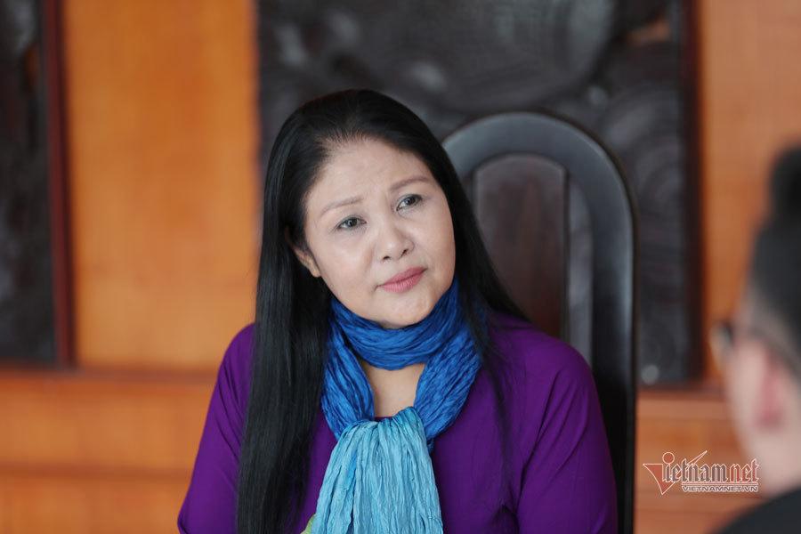 NSND Thanh Ngoan U60 lên chức bà nội vẫn được chồng yêu chiều