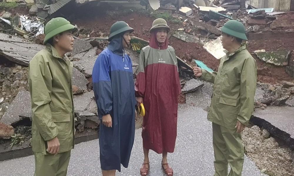 Dãy nhà của cán bộ chiến sỹ Đồn Biên phòng cửa khẩu Cha Lo nứt toác, đổ sập