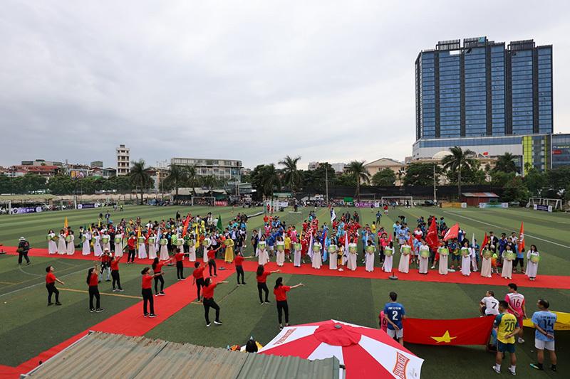 Ngày hội cựu học sinh Hà Nội chung tay vì miền Trung