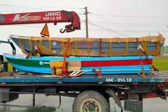 Cano, thuyền sắt lên chuyến xe 0 đồng, thẳng tiến miền Trung cứu người