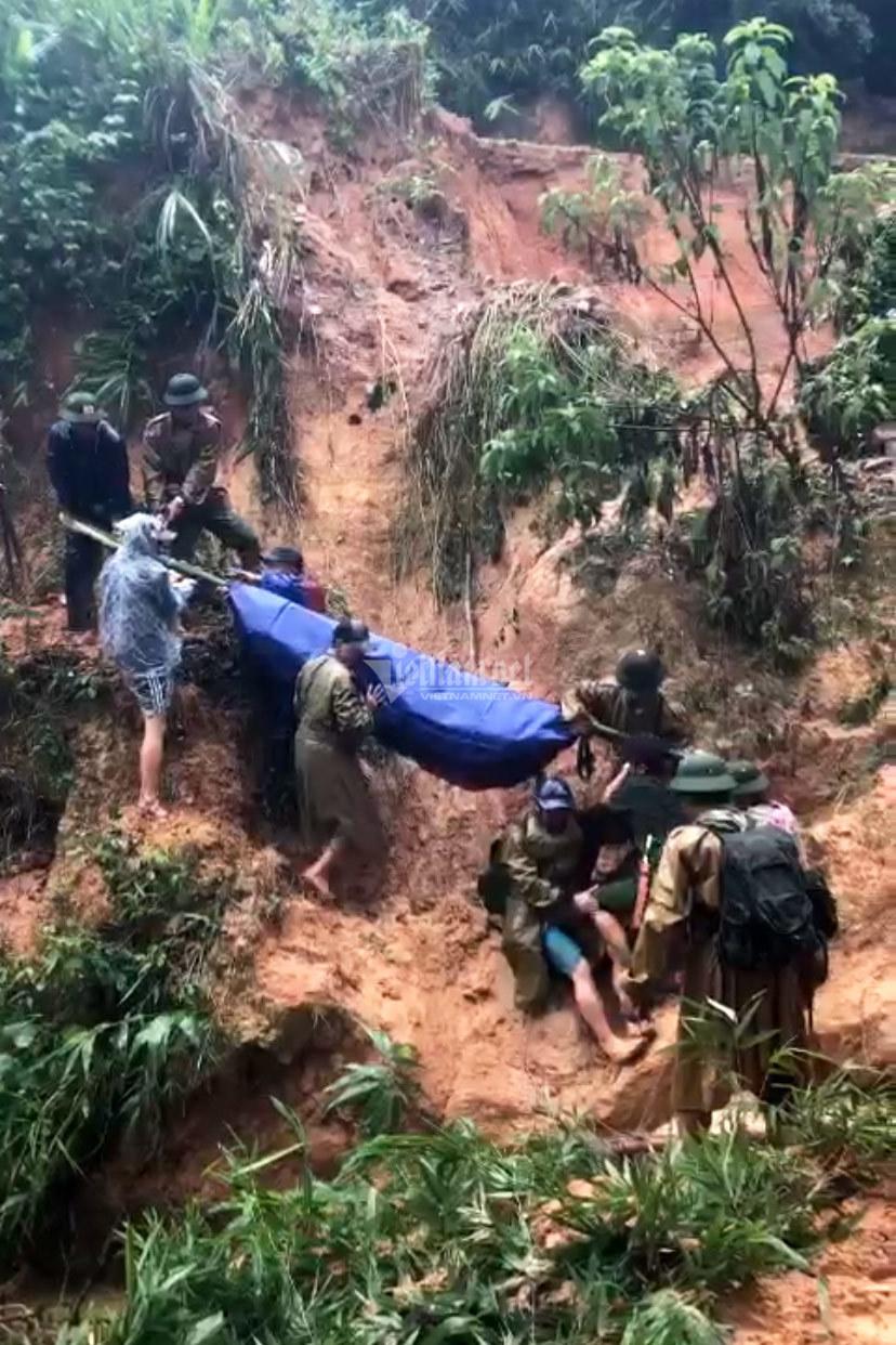 20 giờ cắt rừng, bám dây vượt lũ đưa đồng đội hy sinh trở về