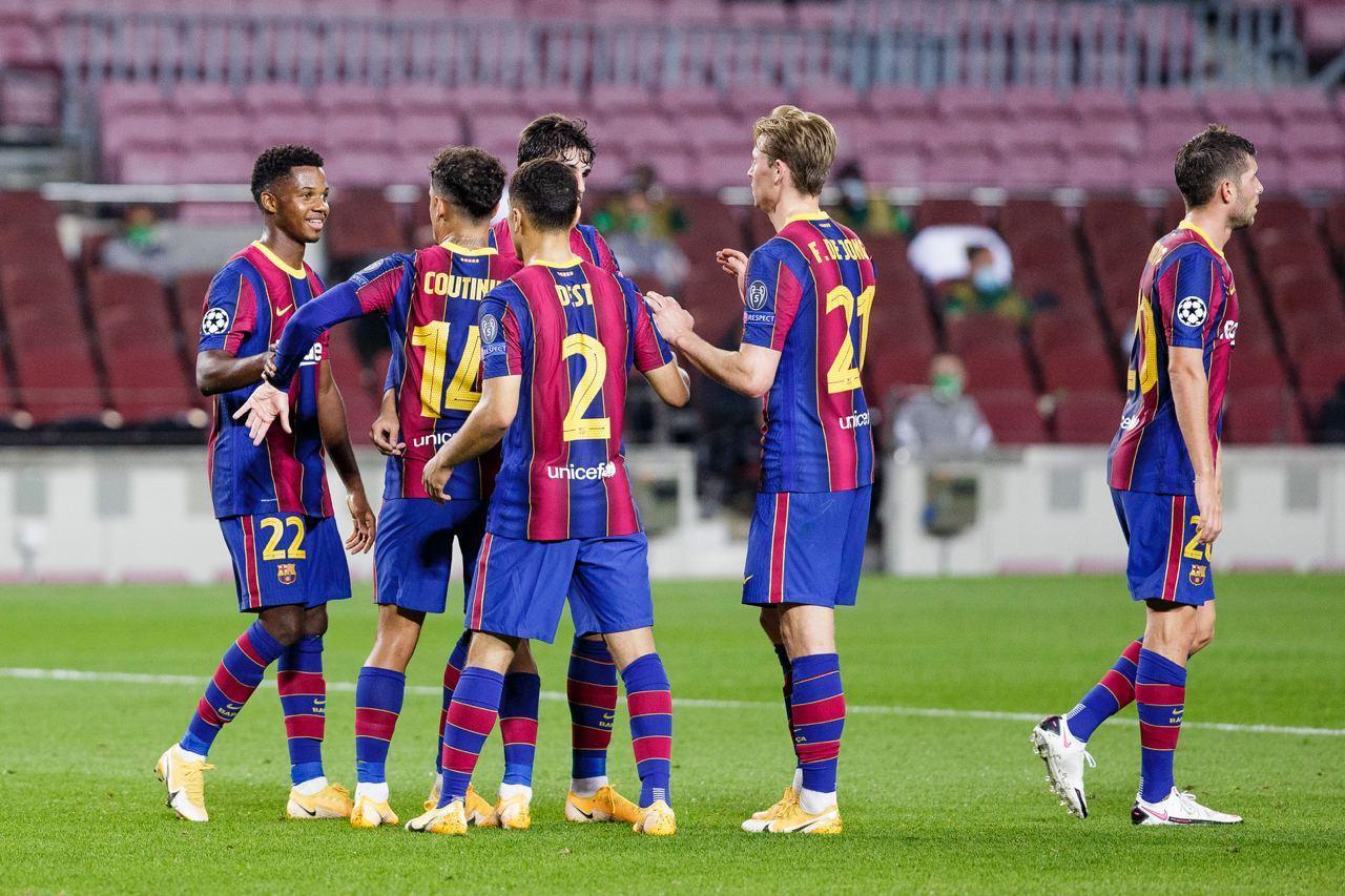 Xem video bàn thắng Barca 5-1 Ferencvaros