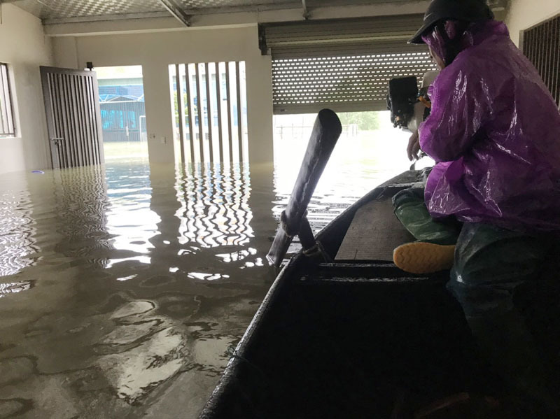 'Cả làng' gọi nhau nhóm bếp, nấu nghìn suất xôi gửi vùng lũ lụt