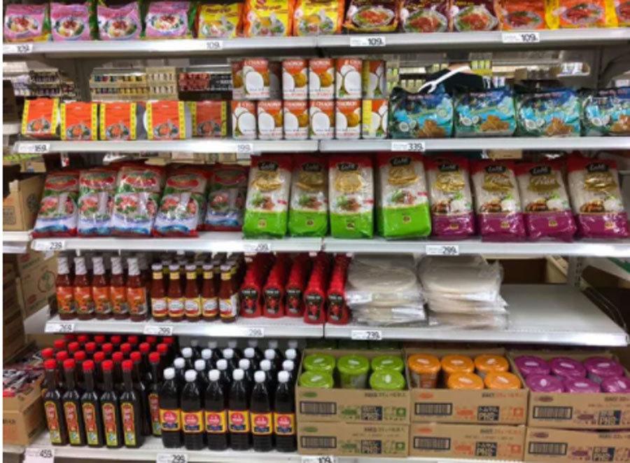 Mắm tôm xuất hiện 'sừng sững' trong cửa hàng bán lẻ hàng đầu của Nhật