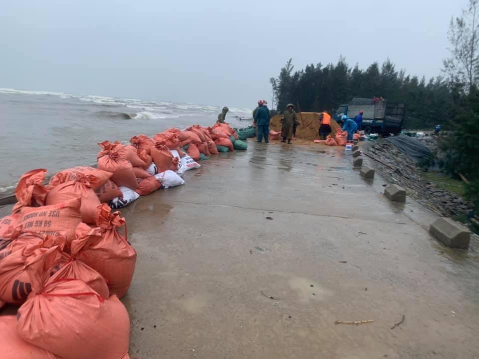 Kè biển ở Hà Tĩnh bị sạt lở, đứt gãy nghiêm trọng sau lũ