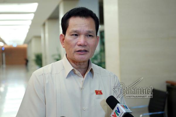 'Thủy Tiên sẽ không đi ban phát hàng cứu trợ miền Trung bừa bãi'