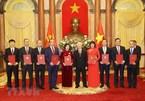 Tổng Bí thư, Chủ tịch nước trao quyết định bổ nhiệm 9 Đại sứ
