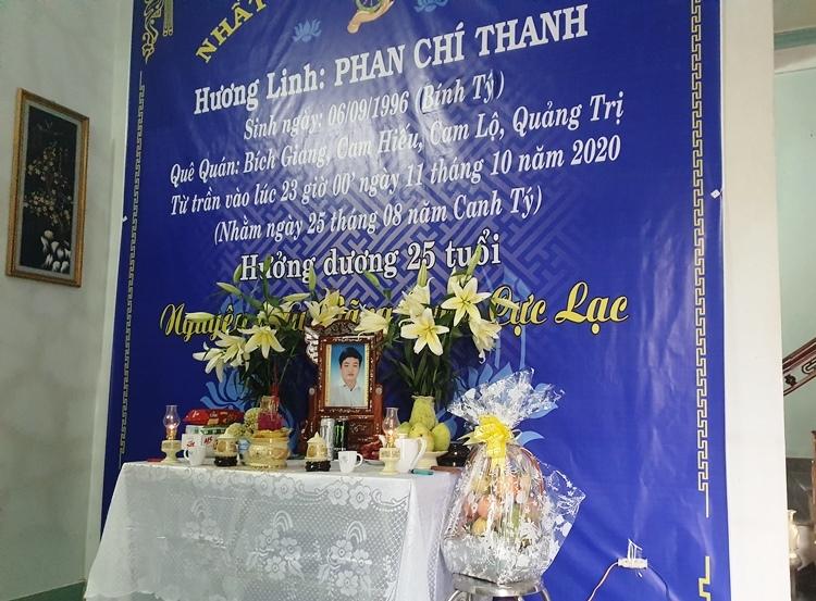 Lặng người những bàn thờ lập sẵn đón công nhân mất tích ở Rào Trăng 3 trở về
