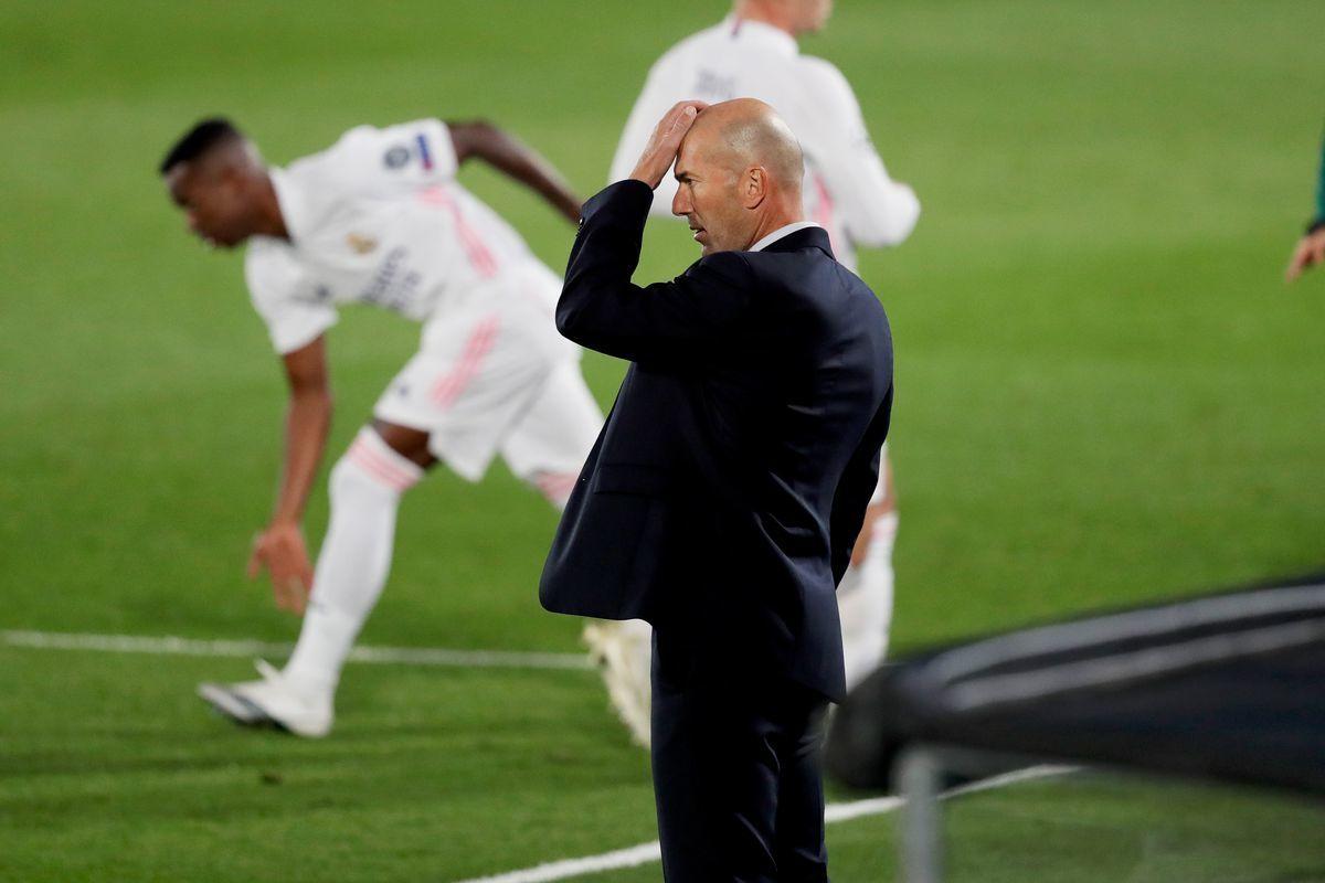 Zidane có 4 trận để 'giữ ghế' ở Real Madrid