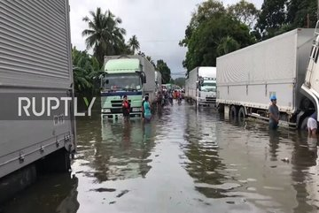 Bão lớn đổ bộ, nhiều nơi ở Philippines ngập lụt