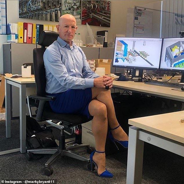 Người đàn ông mặc váy tới công sở: 'Tôi là trai thẳng, quần áo không có giới tính'