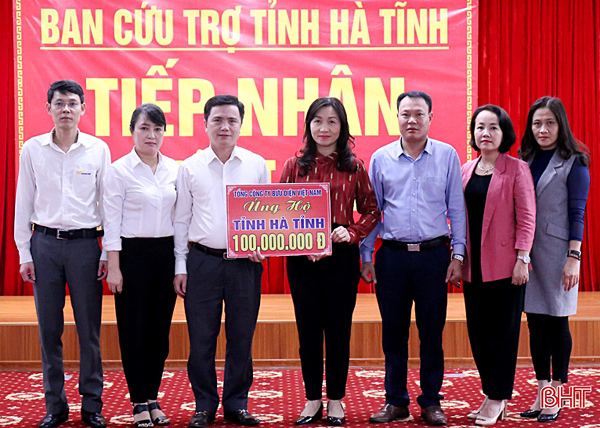 Vietnam Post vận chuyển miễn phí 39 tấn hàng cứu trợ đến miền Trung