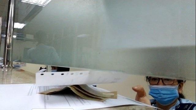Hải quan Hà Nội đình chỉ 4 nữ công chức vì nghi vấn nhận tiền 'bôi trơn'