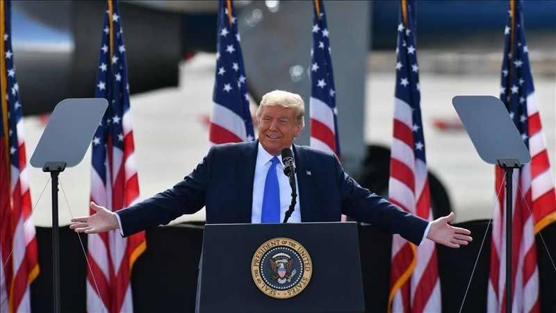 Sức mạnh Mỹ bùng nổ trong tháng tồi tệ nhất của Donald Trump