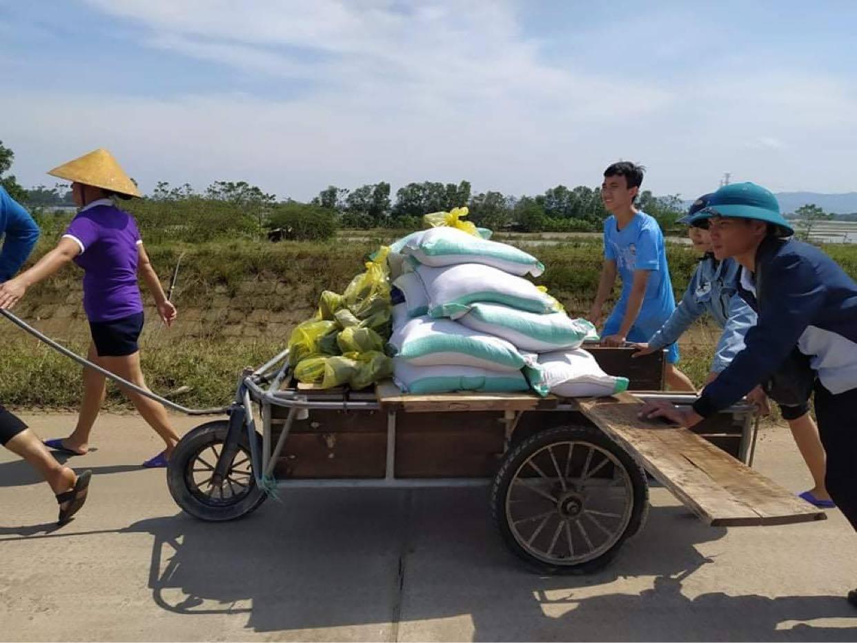 Bốn tỉnh miền Trung đón nhận hơn 150 tỷ cứu trợ lũ lụt