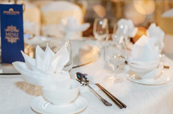 Không gian tiệc cưới lộng lẫy ở Aroma Center