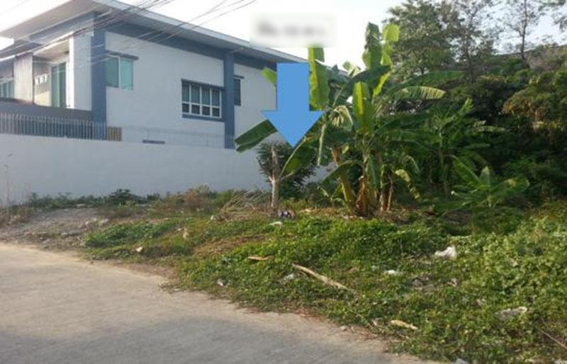 Mảnh đất 70m2 trong ngõ hẹp vợ chồng chị Quế xây nhà cấp 4 mà phải bán đi trả nợ ngân hàng (ảnh minh họa)