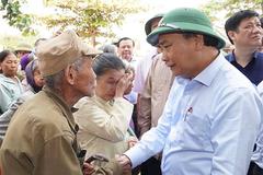 Thủ tướng: Tạm cấp 500 tỷ đồng hỗ trợ khẩn cấp 5 tỉnh miền Trung bị lũ lụt