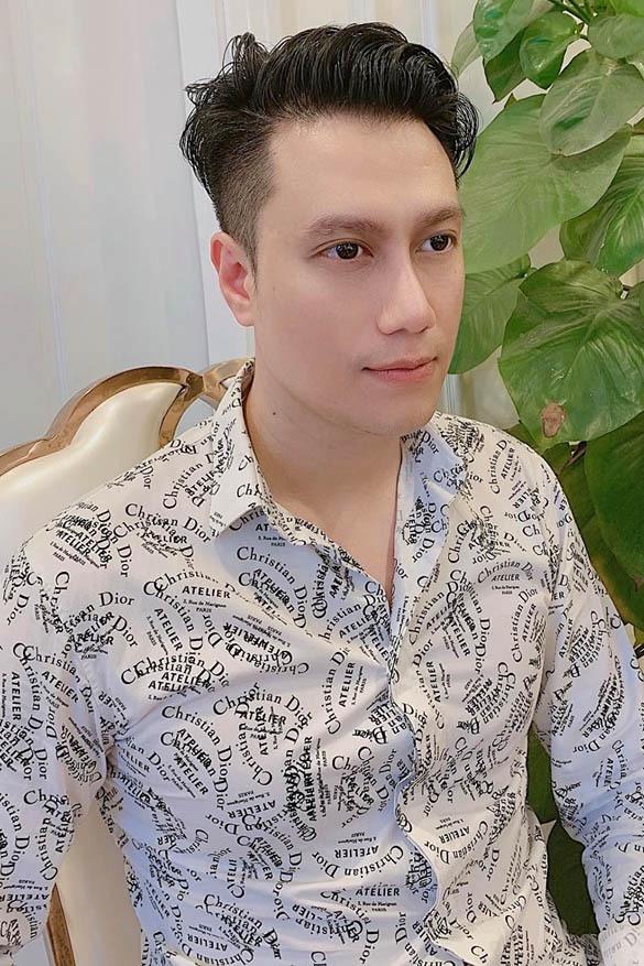 Gương mặt ngày càng thay đổi của Việt Anh sau thẩm mỹ