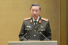 Bộ trưởng Công an trình bày về dự án Luật Bảo đảm trật tự, ATGT