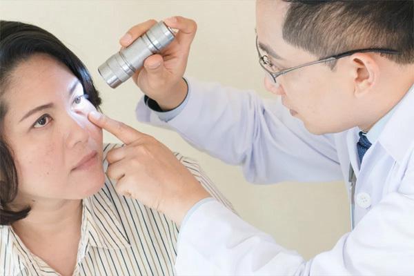 Biểu hiện của mắt hay bị bỏ qua nhưng có tác hại lâu dài