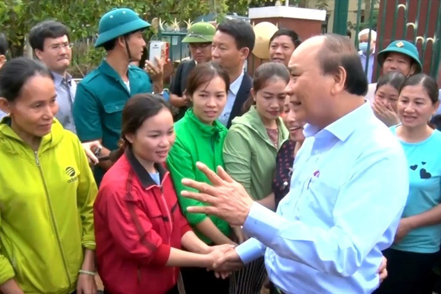 PM inspects post-flood recovery efforts in central region
