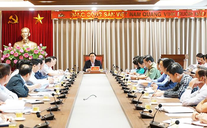 Bí thư Hà Nội triệu tập họp Thường trực Thành ủy tháo gỡ bế tắc rác Nam Sơn