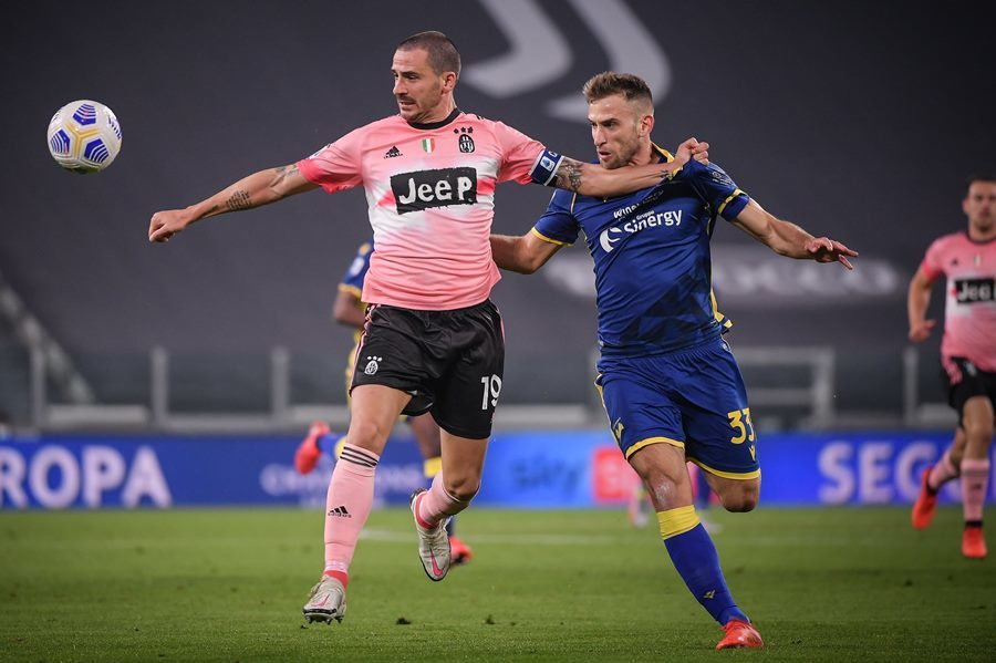 Vắng Ronaldo, Juventus chật vật giành lại 1 điểm