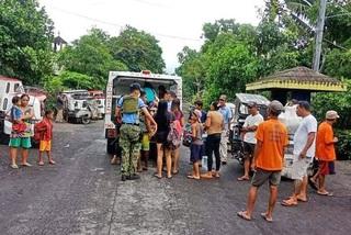 Bão lớn đổ bộ, Philippines sơ tán hàng ngàn dân