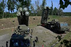 Tổng thống Thổ Nhĩ Kỳ thách Mỹ cấm vận vì 'rồng lửa' Nga
