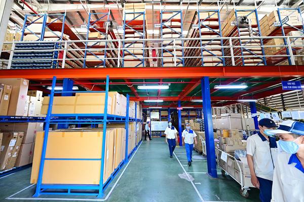Kho hàng với 500.000 loại chi tiết linh kiện của Việt Nam Suzuki