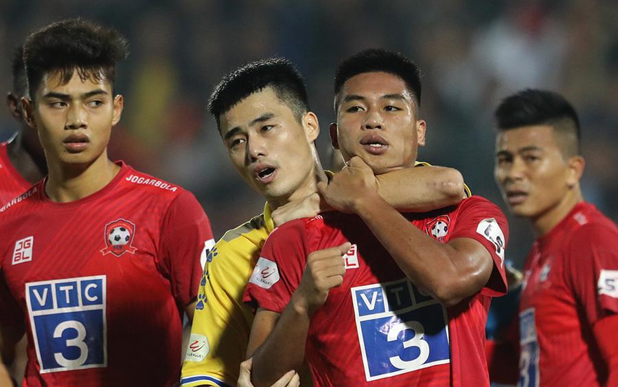 Cầu thủ 'đạo đức nhất CLB Sài Gòn' lĩnh án vì chơi xấu Hồng Duy