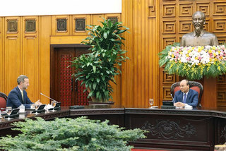 PM Phuc said VN does not devaluatecurrency, urges objective assessment from the US