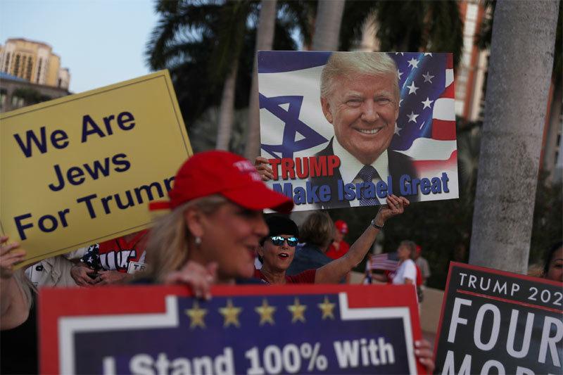 Hai nhóm ủng hộ và phản đối ông Trump 'choảng nhau' giữa New York
