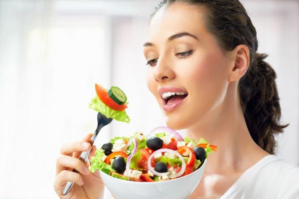 Bốn thói quen khi ăn của người sống thọ