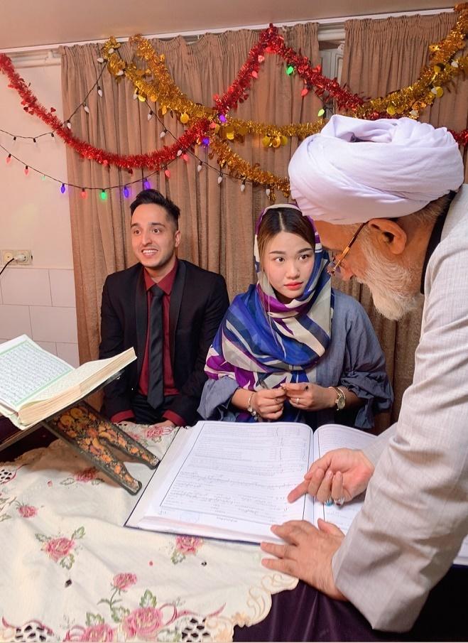 Thạc sĩ Việt lấy chồng Iran, ký cam kết hôn nhân trị giá 100 cây vàng