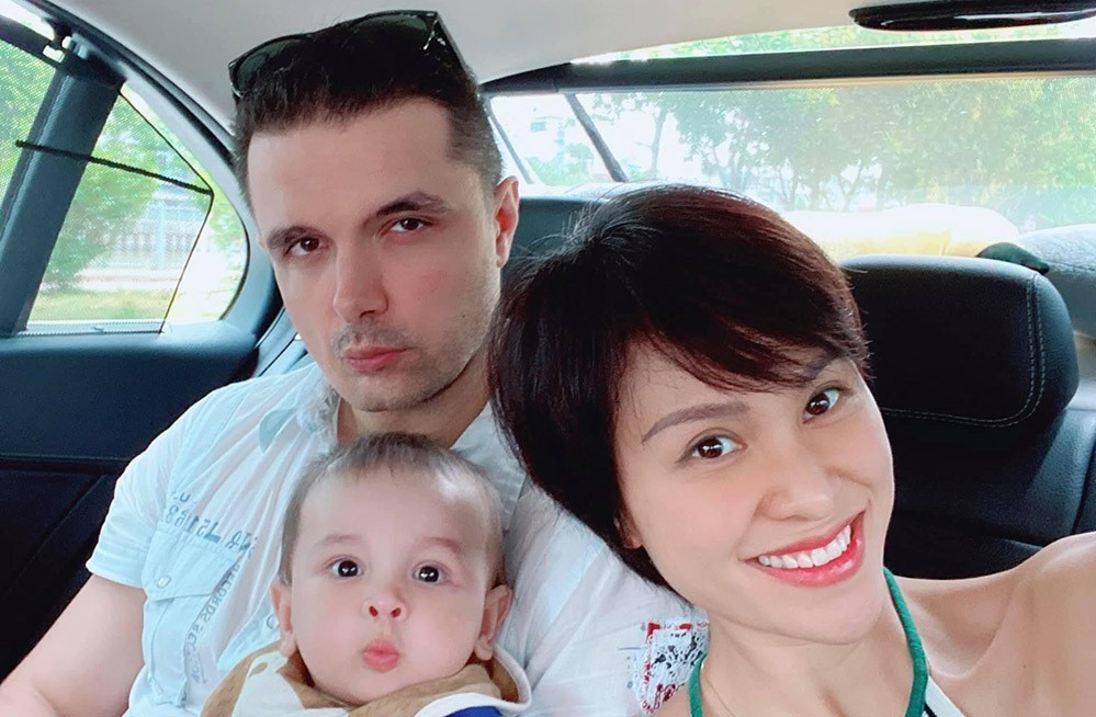 Quý tử đáng yêu của MC Phương Mai và chồng Tây điển trai